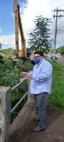 31/03/2021 - Brizola acompanha limpeza do Arroio do Cerquinha no bairro Boa Saúde