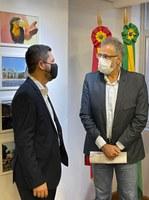 31/03/2021 - Presidente Raizer participa de reunião com ex-secretário estadual de educação