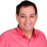 07/11/2019 - Vereador Inspetor Luz solicita conserto do buraco na rua Carlos Germano Burckle no bairro Ideal