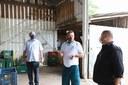 13/05/2020 - Junto a comissões, vereador Fernando Lourenço visita cooperativa de agricultura familiar